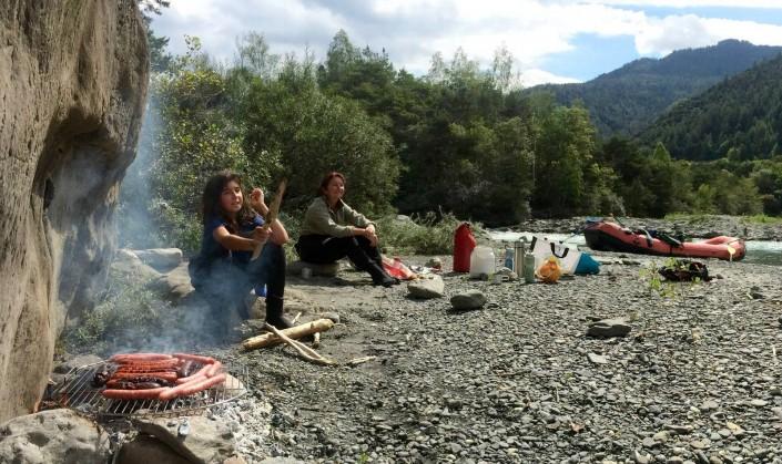 grillade, pique-nique et rafting sur la rivière ubaye avec raft'ubaye